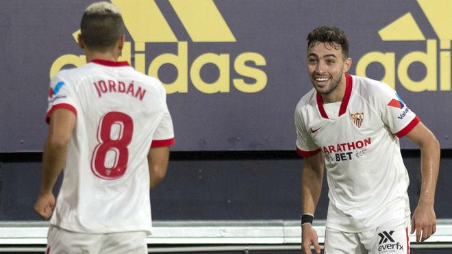 Munir celebra con Jordán el 1-2.