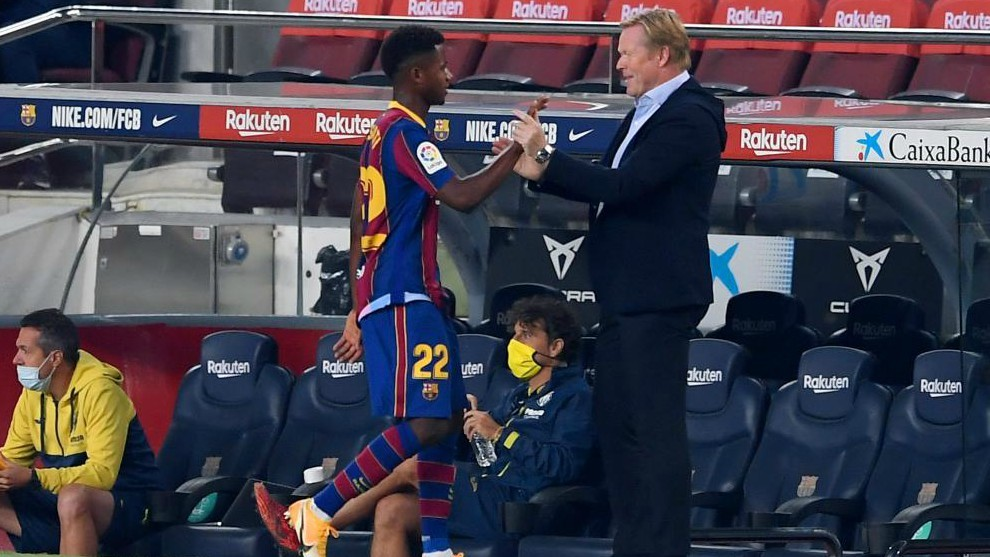 Koeman y Ansu Fati en el partido del FC Barcelona vs Villarreal de...