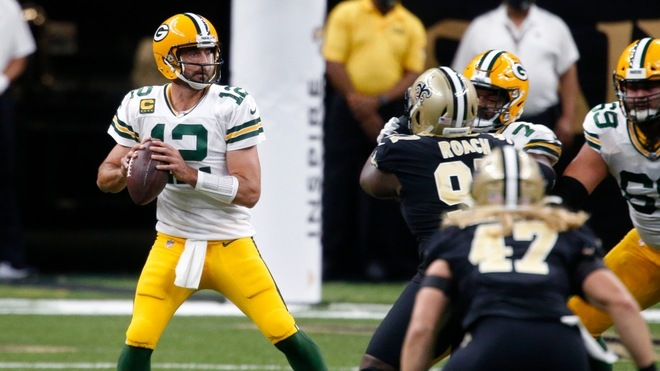 Rodgers y Packers derrotan a Saints 37-30, siguen invictos