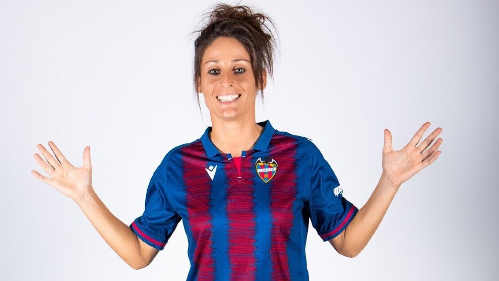 Real Madrid Women looking for a new No.9: Esther Gonzalez the favourite