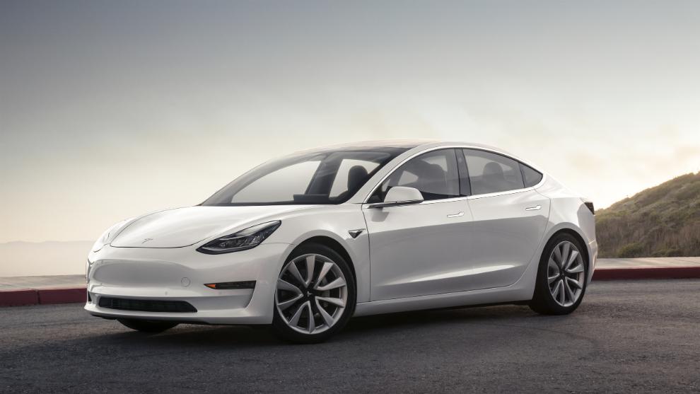 La versión de acceso Estándar Plus del Model 3 tiene una autonomía de 409 km.