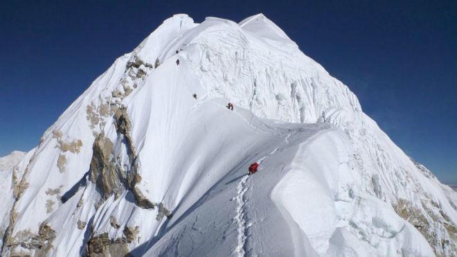 El monte Baruntse en Nepal.