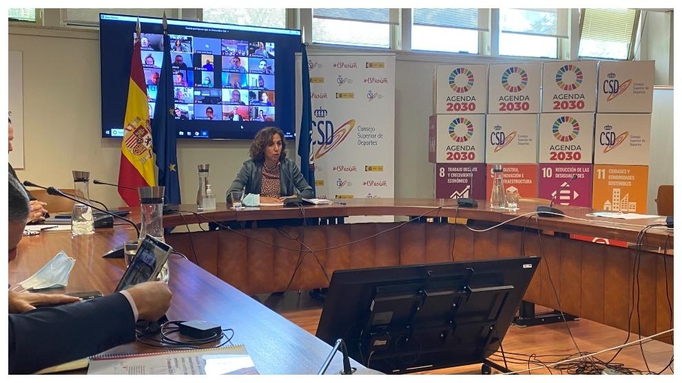 Irene Lozano, durante su intervención ante los deportistas.