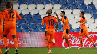 Maxi Gómez celebra el tanto del Valencia