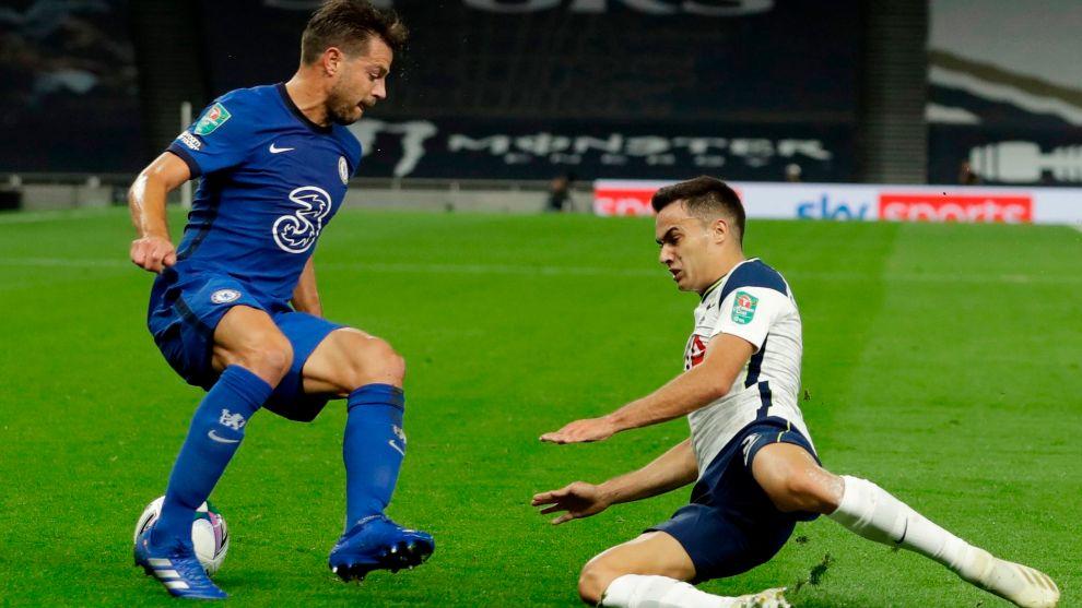 Azpilicueta y Reguilón, en la jugada del gol del Chelsea.