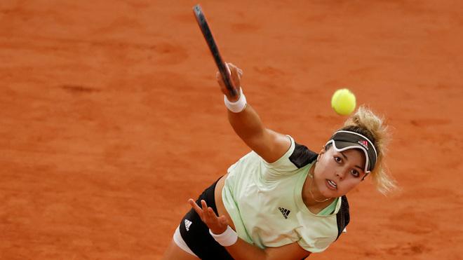 Renata Zarazua, en su partido de Roland Garros ante la ucraniana Elina Svitolina.