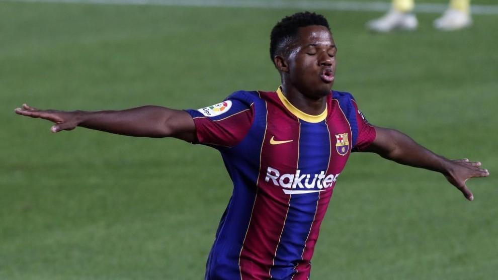Ansu Fati celebra un tanto contra el Villarreal.