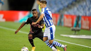 Gorosabel inicia un ataque en el partido contra el Real Madrid.