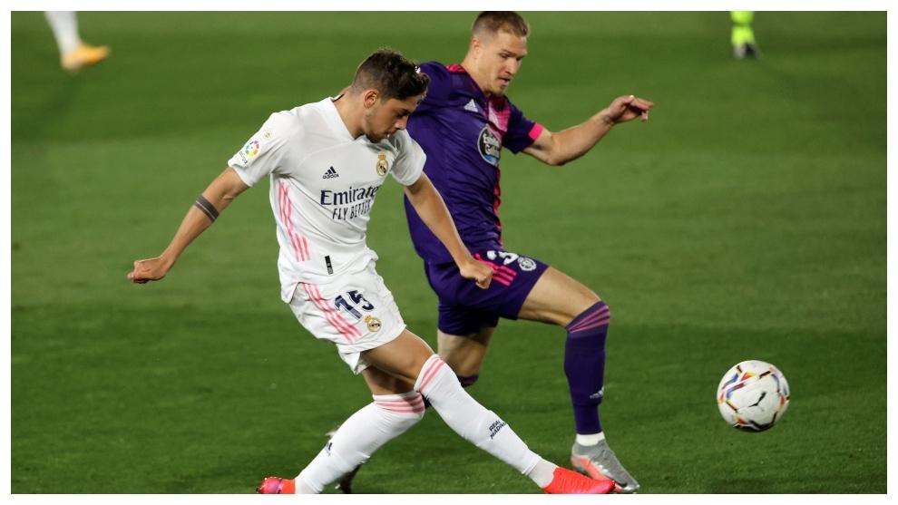 Valverde, en en una de las primeras acciones del partido.