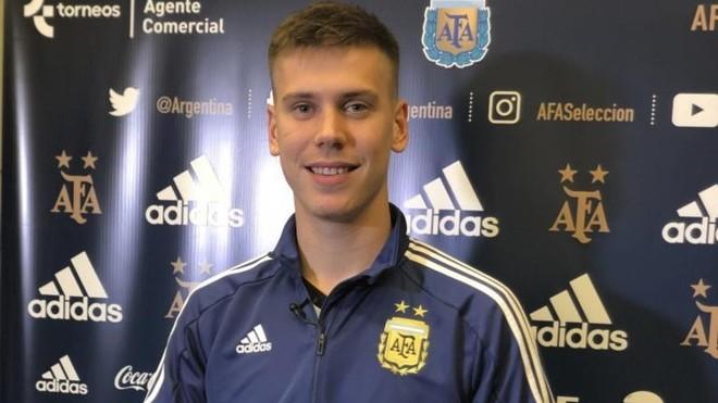 Foyth, con la selección de Argentina.