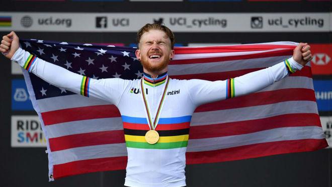 Quinn Simmons, tras ganar el Mundial júnior de ruta en 2019.