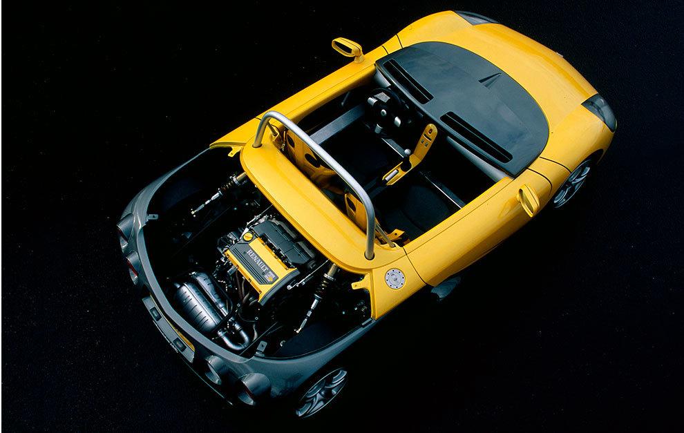 Empleaba el motor 2.0 16v de 150 CV del Clio Williams.