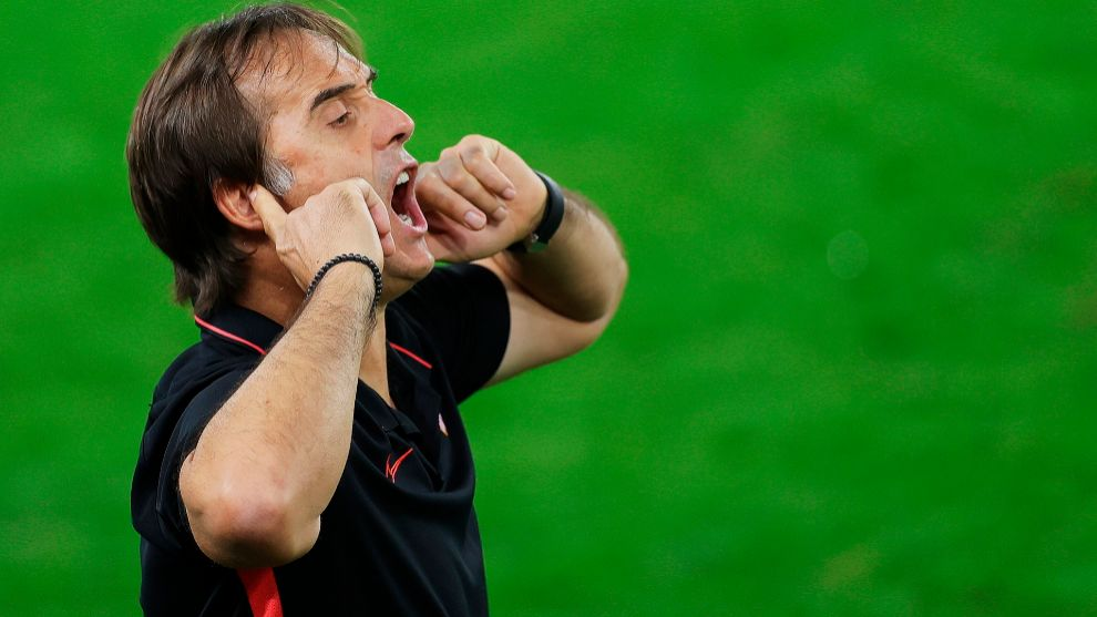 Lopetegui: Sevilla have to be at our best against Barcelona