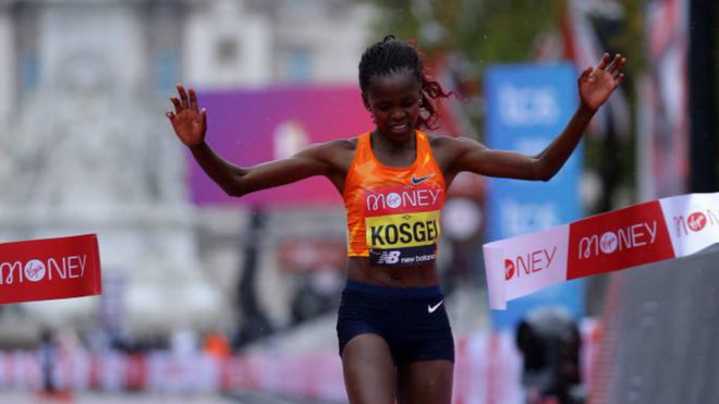 Brigid Kosgei se impone en el Maratón de Londres.