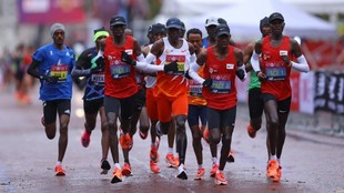 Maratón de Londres en directo: la lluvia ha dinamitado la carrera