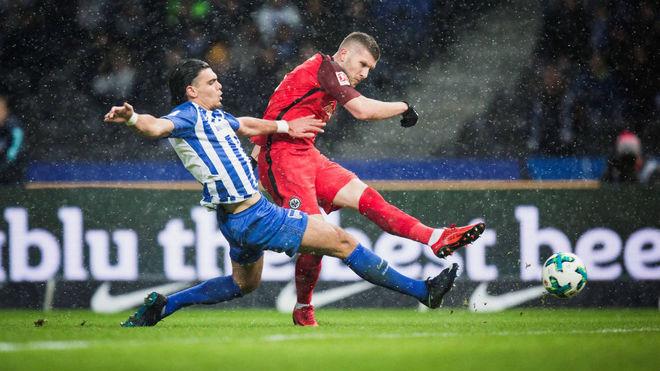 Rekik, en un partido con el Hertha.