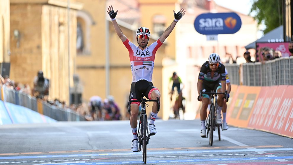 Diego Ulissi en línea de meta Giro de Italia