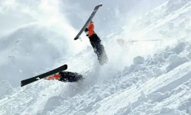 Cómo prevenir y minimizar las lesiones en los deportes de invierno