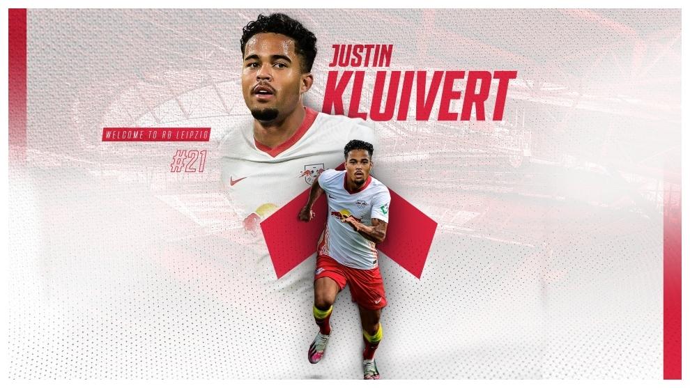 Justin Kluivert, con la elástica de su nuevo equipo.