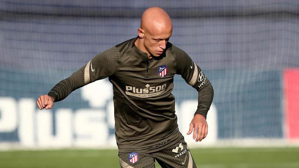 Mollejo durante un entrenamiento del Atlético.