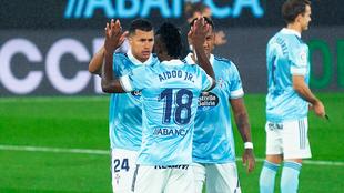 Aidoo Jr celebrando un gol frente a Jaison Murillo
