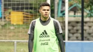 Alan Medina durante un entrenamiento con la selección mexicana