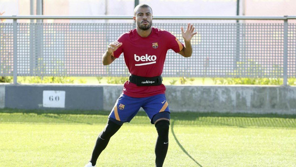 Rafinha, en un entrenamiento del Barcelona.