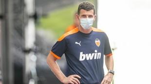 Javi Gracia, entrenador del Valencia, en las instalaciones de Paterna.