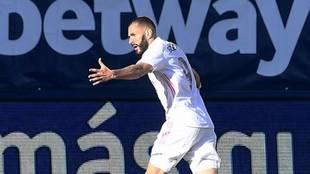 Benzema celebra su gol al Levante el pasado domingo.
