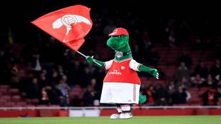 Gunnersaurio, durante un partido con el Arsenal