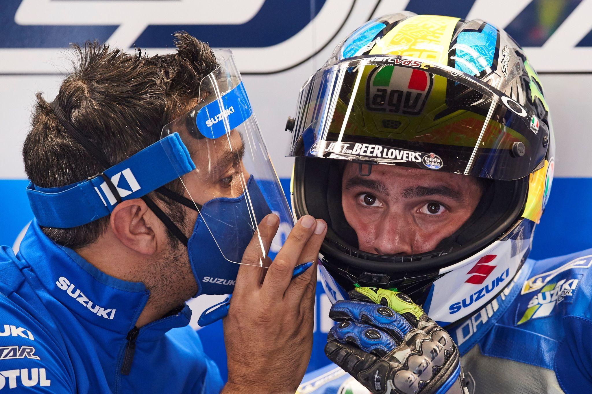 GRAFCAT1920. MONTMELÓ (BARCELONA), 25/09/2020.- El piloto español del equipo Team Suzuki Ecstar lt;HIT gt;Joan lt;/HIT gt; lt;HIT gt;Mir lt;/HIT gt; en el box durante la segunda sesión de entrenamientos libres del Gran Premio de Cataluña de Moto GP que se celebra en el circuito de Barcelona en Montmeló (Barcelona). EFE/Alejandro García