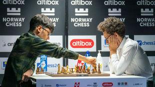 Firouzja derrotó a Caruana.