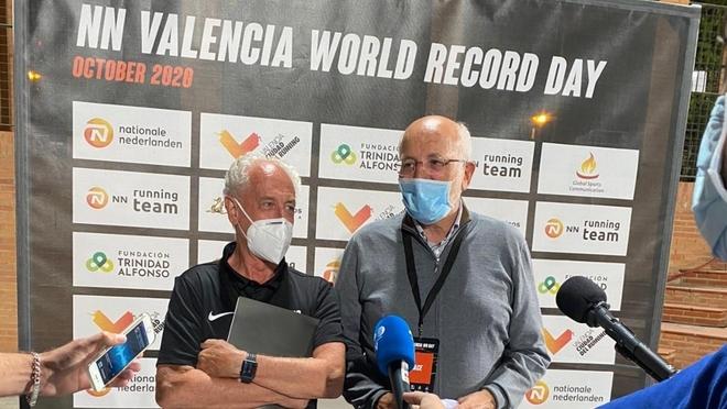 Paco Boaro y Juan Roig tras conseguir el doble récord del mundo en...