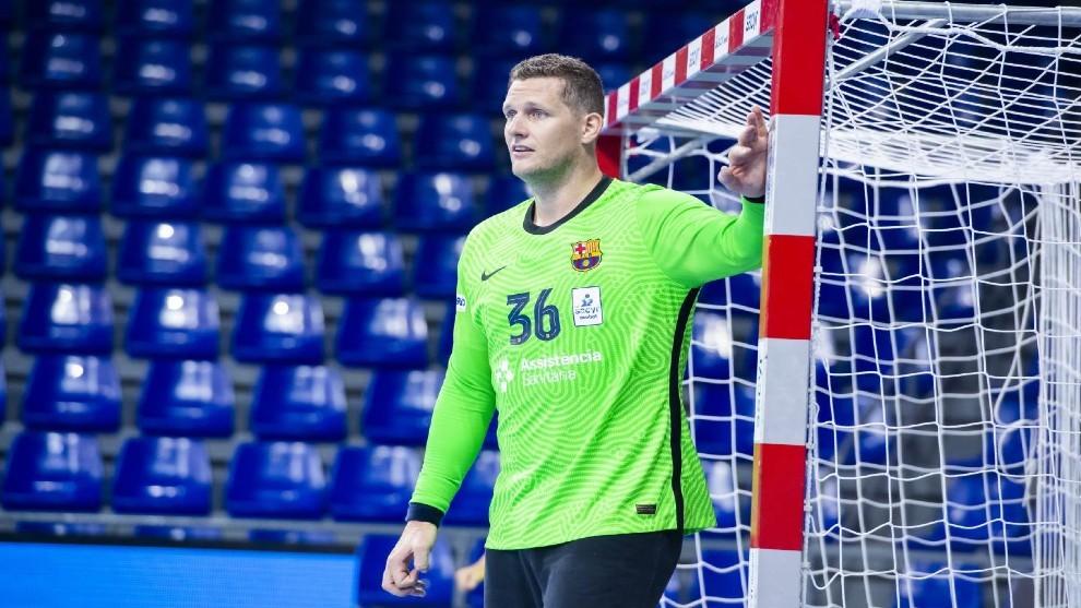 El portero danés Kevin Möller, durante un partido con el Barça /