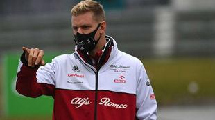 Mick Schumacher, dando la vuelta al circuito de Nurburgring.