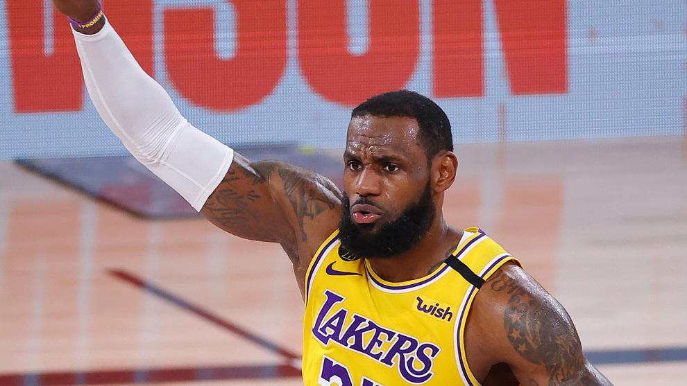LeBron durante el cuarto partido de la serie ante los Heat