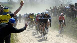 Paris - Roubaix, cancelada por la alerta sanitaria.