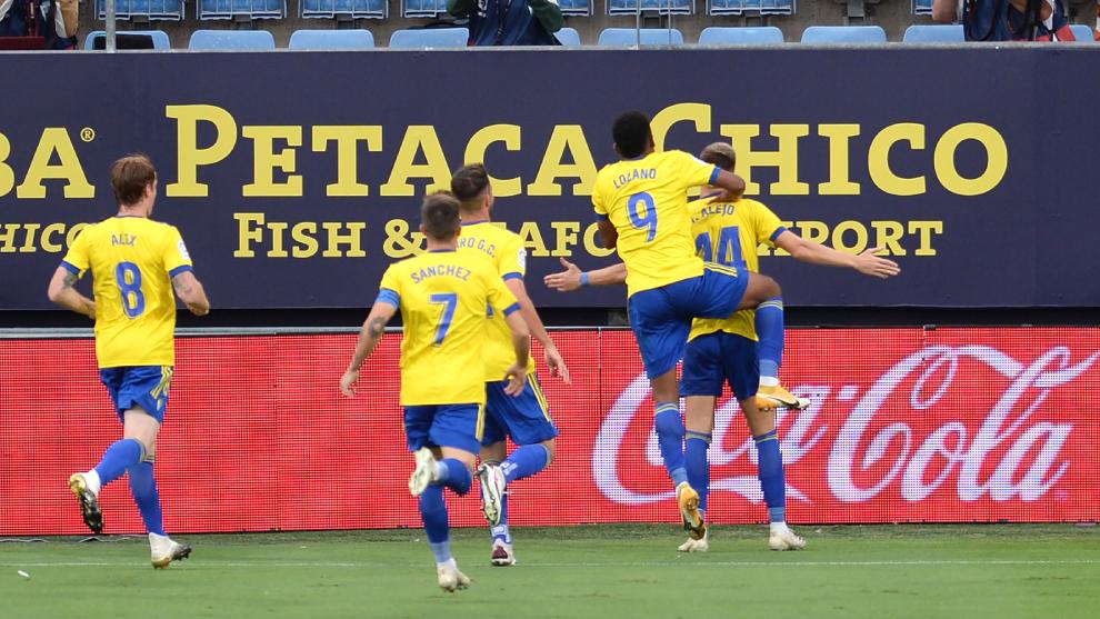 El Cádiz CF celebrando el gol de Iván Alejo en el partido de LaLiga...