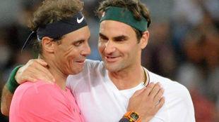 Nadal y Federer se saludan en la red