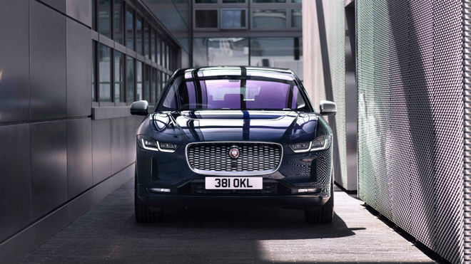 El nuevo Jaguar I-Pace ofrece una autonomía eléctrica de 470...