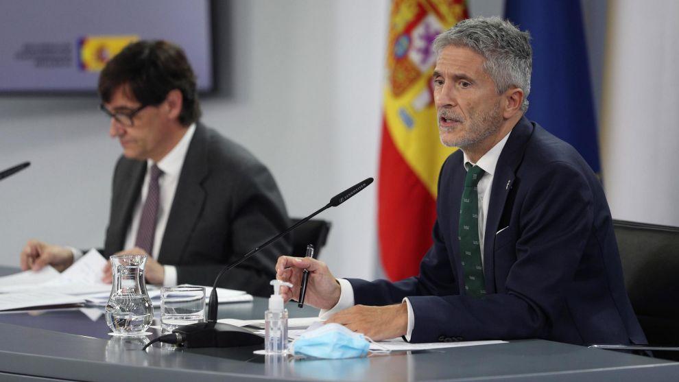 El ministro de Sanidad, Salvador Illa, y el del Interior, Fernando...