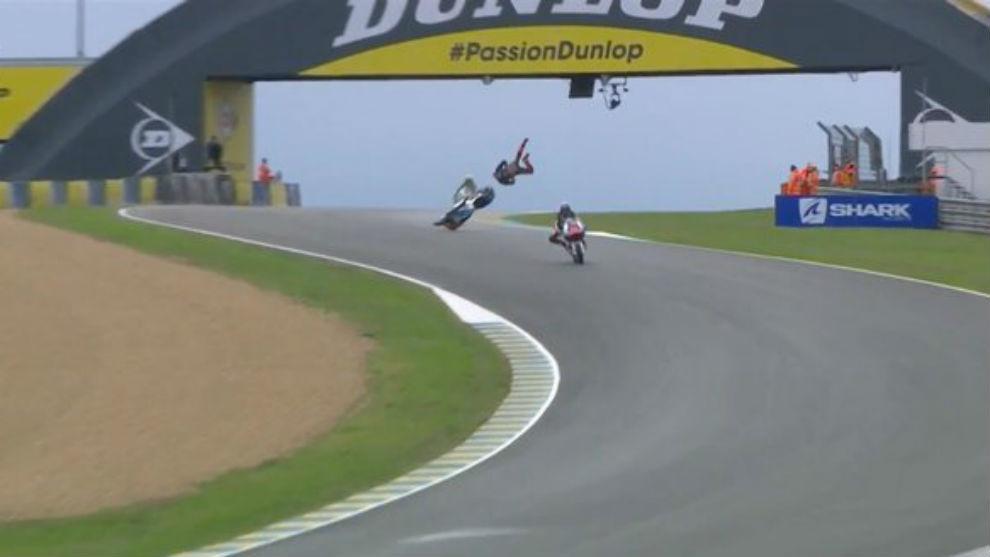 Luca Marini, volando.