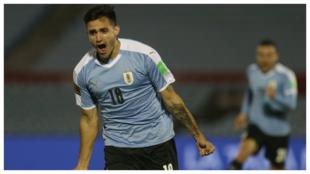 Maxi Gómez celebrando el gol de la victoria en el Uruguay - Chile