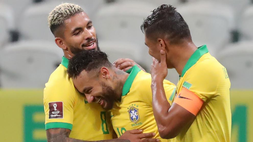 Brasil arrasa a Bolivia en una gran noche de Neymar y Coutinho
