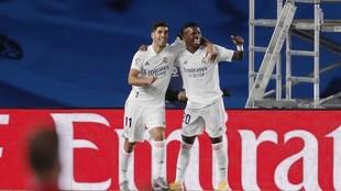 Asensio y Vinicius, celebrando el gol del btrasileño ante el...