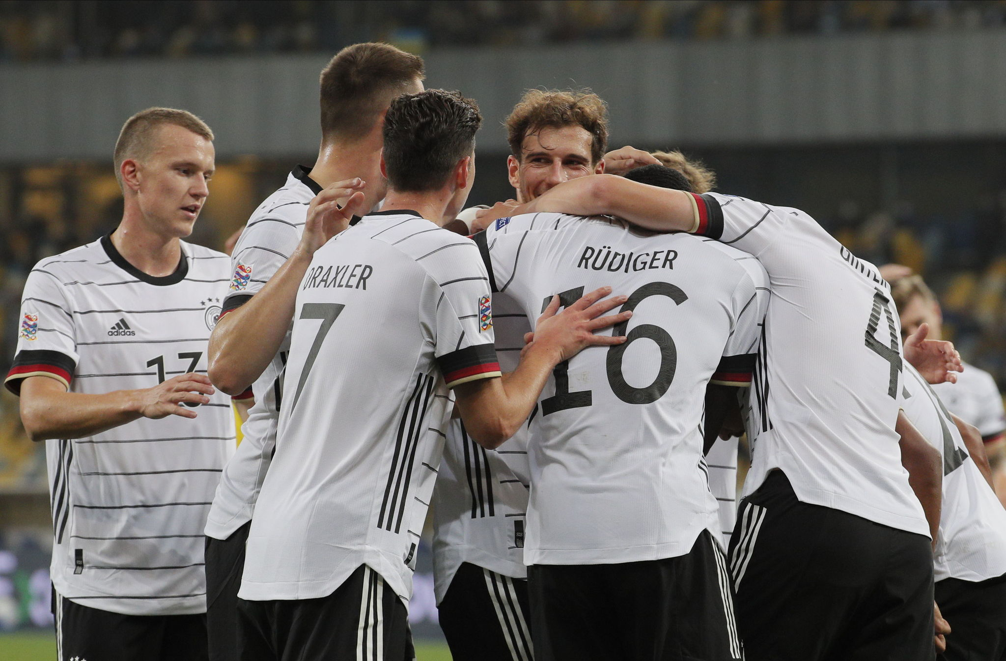 Kiev (Ukraine), 10/10/2020.- Matthias lt;HIT gt;Ginter lt;/HIT gt; (R) of Germany celebrates with his teammates after scoring the opening goal during the UEFA Nations League group stage, league A, group 4 soccer match between Ukraine and Germany in Kiev, Ukraine, 10 October 2020. (Alemania, Ucrania) EFE/EPA/SERGEY DOLZHENKO