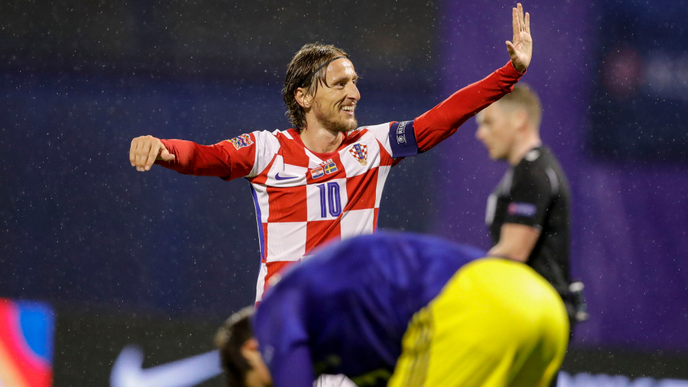 Luka Modric celebra el primer gol de Croacia ante Suecia