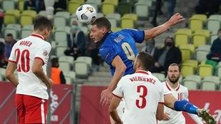 Italia se mantiene a un punto de distancia de Holanda en el Grupo 1.