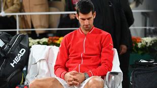 Novak Djokovic con cara de circunstancias tras perder la final de...
