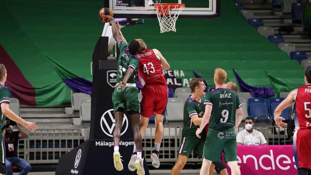 Nzosa supera a Porzingis, el más joven en poner cuatro tapones en un partido ACB